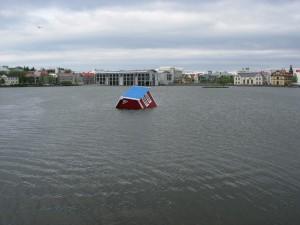 Island 2008, en synkende skude. (foto admin)