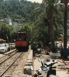 Tag en hyggelig tur med toget. Foto admin